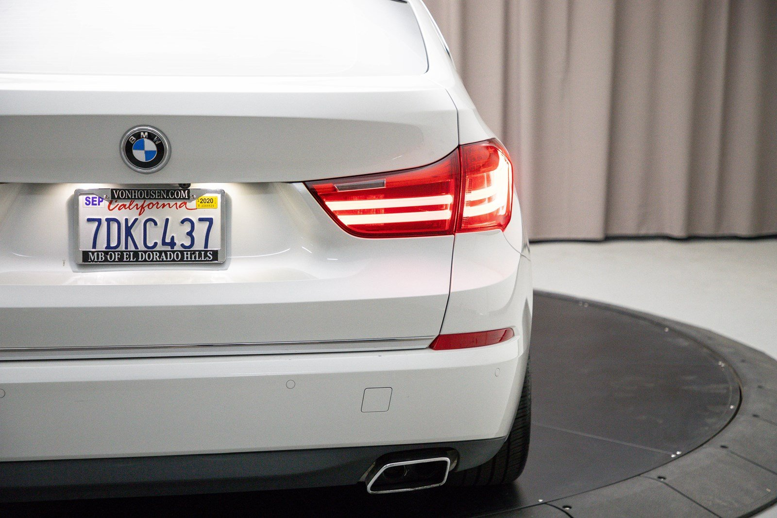 Pre-Owned 2015 BMW 5 Series Gran Turismo 550i